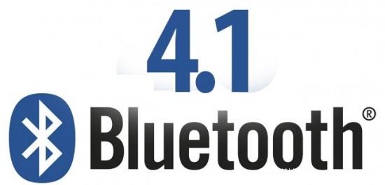 蓝牙4.1标准   蓝牙4.1于2013年12月6日发布,与LTE无线电信号之间如果同时传输数据,那么蓝牙4.1可以自动协调两者的传输信息,理论上可以减少 其它信号对蓝牙4.1的干扰。改进是提升了连接速度并且更加智能化,比如减少了设备之间重新连接的时间,意味着用户如果走出了蓝牙4.