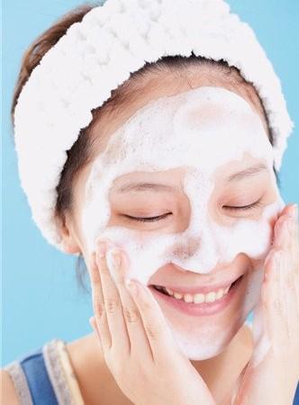 白醋洗脸的正确方法祛斑