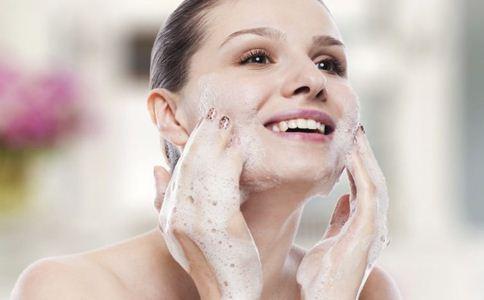 白醋和盐洗脸的正确方法