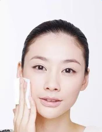 擦护肤品的正确步骤