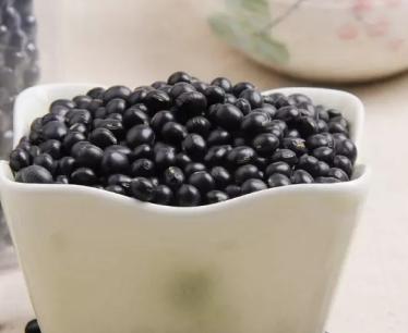 每天吃煮黑豆有啥好处_黑豆怎么吃最好