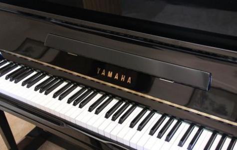 1,从乐器本身说起,都是由键盘的黑白键组成,相同位置的键的音调