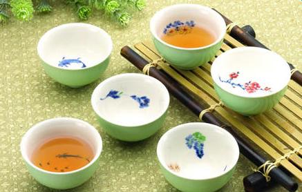 陶茶具和瓷茶具哪个好|茶具介绍_茶具介绍的范本